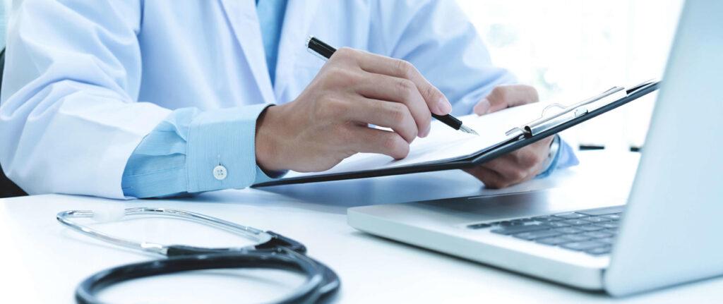Adolescentes y exámenes médicos